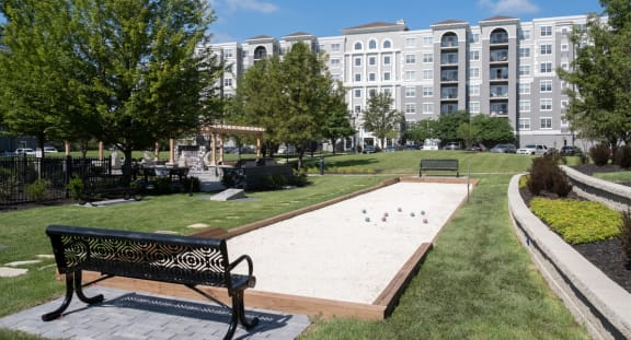 Outdoor Activities at The MilTon Luxury Apartments, Illinois