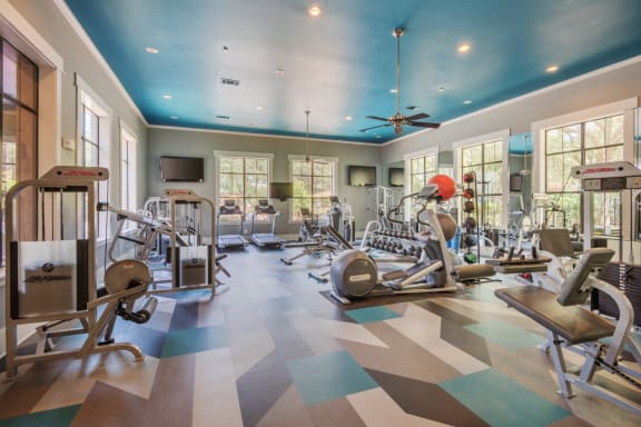 Fitness Center With Modern Equipment at Elan Apartment Homes, Austin, TX, 78750