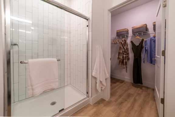 Photo of closet and bathroom Blue Ash, OH The Approach at Summit Park