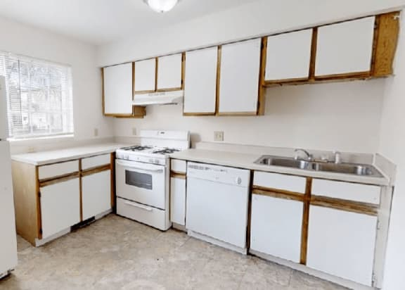 Fully Furnished Kitchen at Arbor Pointe Townhomes, Battle Creek, 49037-2040