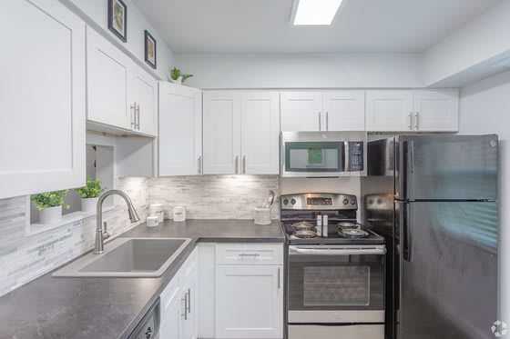 Fully Furnished Kitchen With Stainless Steel Appliances at Galbraith Pointe Apartments and Townhomes*, Ohio