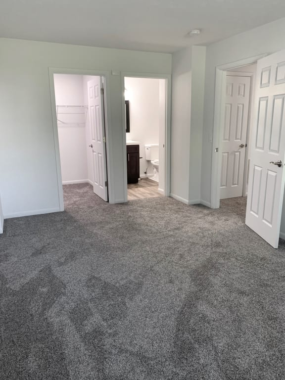 Carpeted Living Area at Galbraith Pointe Apartments and Townhomes*, Ohio, 45231