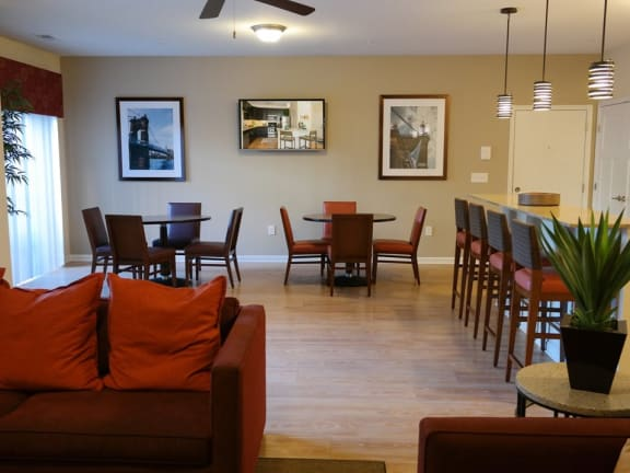 Living + Dining at Monmouth Row Apartments, Kentucky, 41071