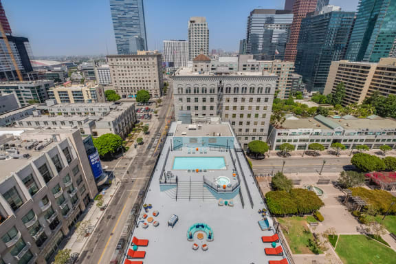 Comfortable Apartments with Thoughtful Amenities at Renaissance Tower, Los Angeles, California