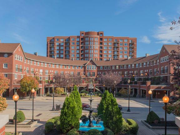 Elegant Exterior View at Crescent Centre Apartments, Louisville