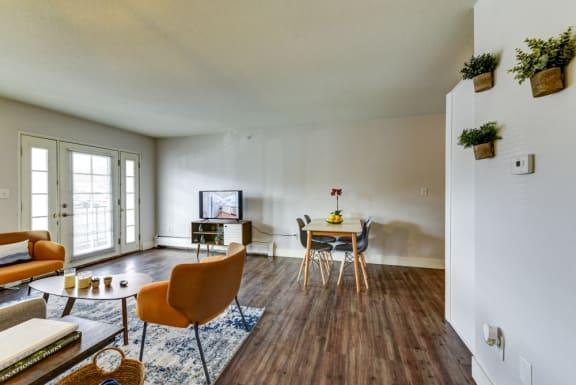 2bed 1 bath 760 sqft Living Space