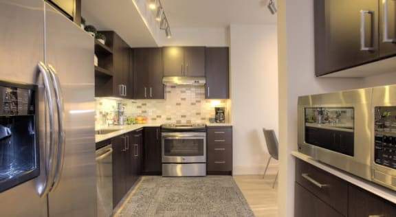 Capitol Yard Apartments_ West Sacramento CA_Stainless Steel Appliances