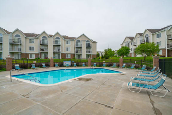 Pool With Large Sundeck and Wi-Fi at Black Sand Apartment Homes in Lincoln, NE