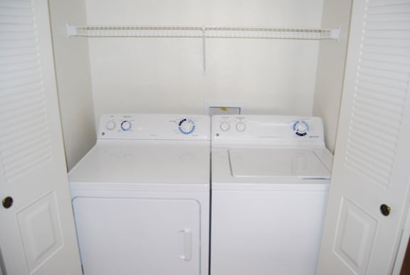 Full-Size Washer and Dryer in Every Home at Colonial Pointe at Fairview Apartments, Bellevue