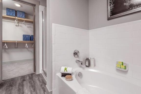 Bathroom Bathtub at The Kelley, Ft. Worth, Texas