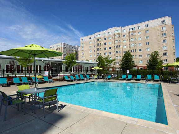 Quincy MA Apartments with Pool and Outdoor Living-HighPoint Apartments