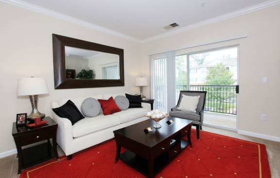 1, 2 and 3 Bedroom Apartments Annapolis Maryland with attached garage-Berkshire Annapolis Bay