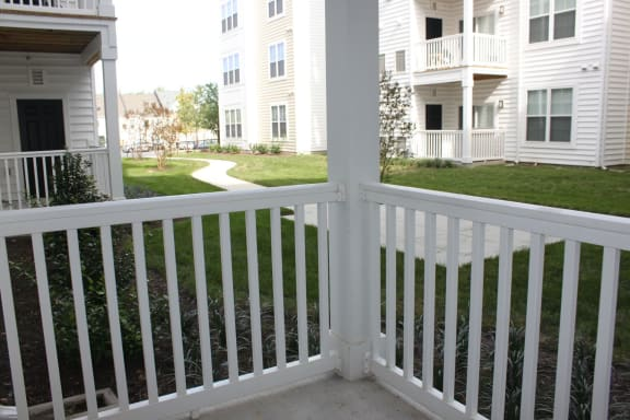One Bedroom Apartment with Patio and Courtyard View-MetroPlace at Town Center Apartments