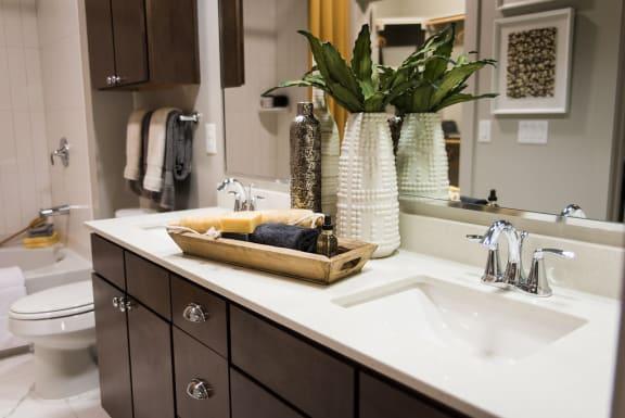 Designer Bathroom Suites at Berkshire Auburn, Dallas, TX