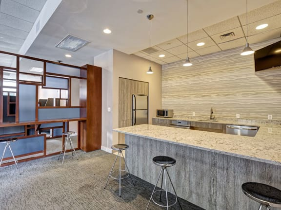 HighPoint Apartments Resident Clubhouse and Party Room with Communal Dining and Work-From-Home Pods- 12 Highpoint Circle Quincy, MA 02169