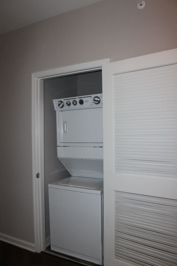 Apartments near Joint Base Andrews with Washer Dryer, MetroPlace at Town Center Apartments