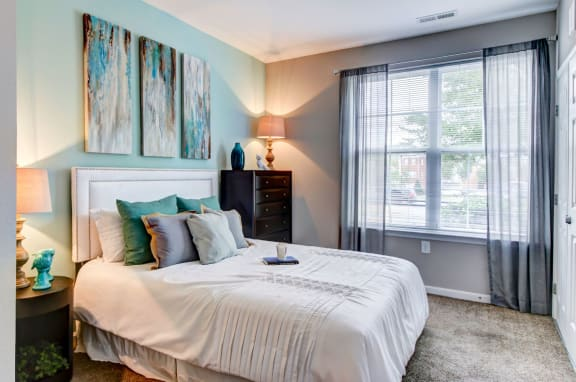 Roommate Style Two Bedroom Apartments  near DC on Branch Avenue Metro Green Line-7900 Telfair Blvd. Camp Springs MD 20746