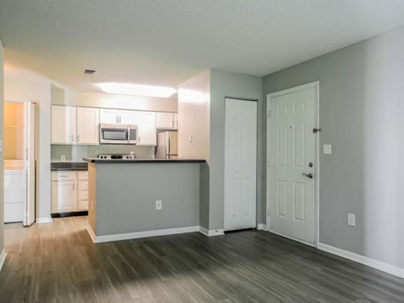 Newly Renovated 1, 2 and 3 Bedroom Luxury Apartments in Lawrenceville NJ Near Capital Medical -1000 Steward Crossing Way Lawrenceville NJ 08646