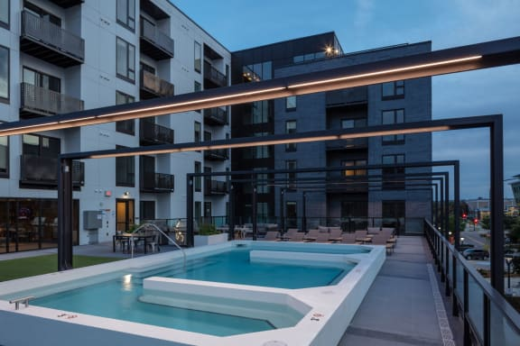 New Apartments Downtown Rochester MN near Mayo Clinic with Skydeck with Spa Pool-The Maven on Broadway