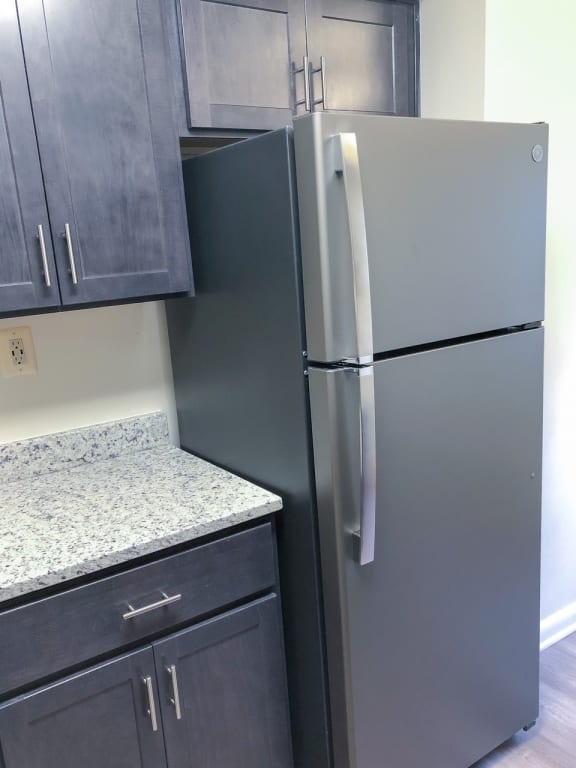 New slate appliances and updated kitchens at Seminary Roundtop Apartments in Lutherville