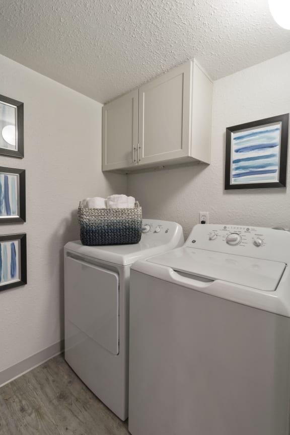 Laundry Facility at Alvista Trailside Apartments, Colorado, 80110
