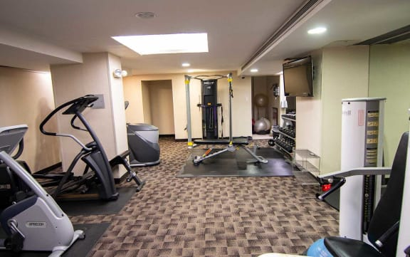 2112 New Hampshire Ave Fitness Center 03