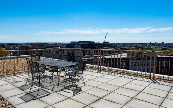 2112 New Hampshire Ave Apts Rooftop