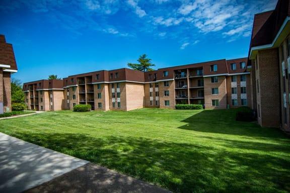 Oakton Park Apartments Patios and Balconies