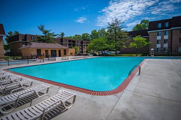 Oakton Park Apartments Pool