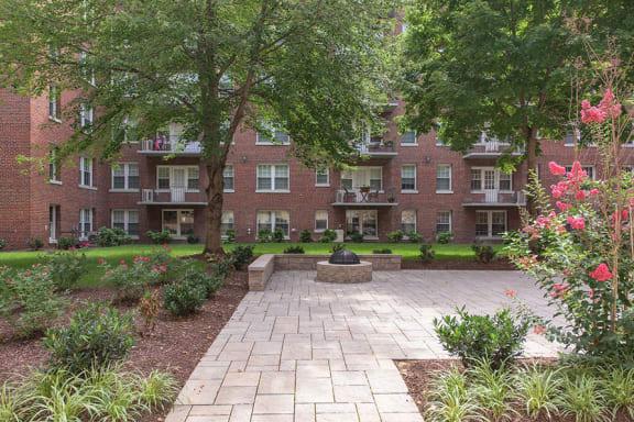 The Metropolitan Apartments Lush Courtyard