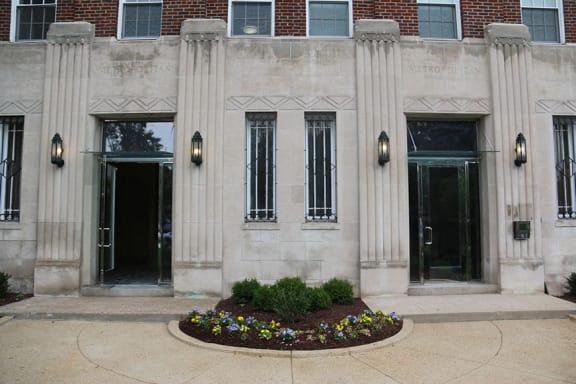 The Metropolitan Apartments Controlled Access