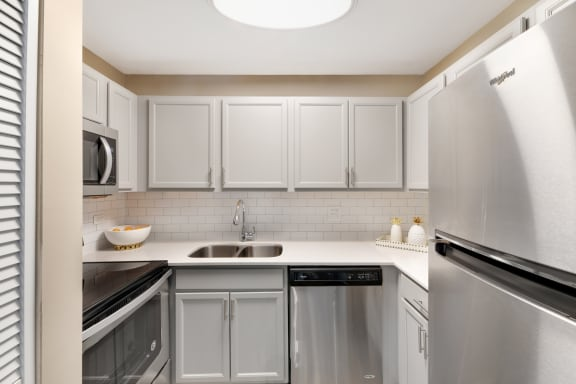 Chef-Inspired Kitchens at The Ponds of Naperville, Naperville, 60565