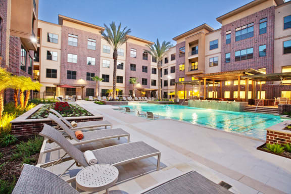 swimming pool apartments near energy corridor houston