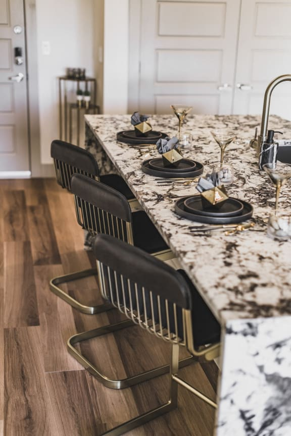 table_top_luxury_apartments
