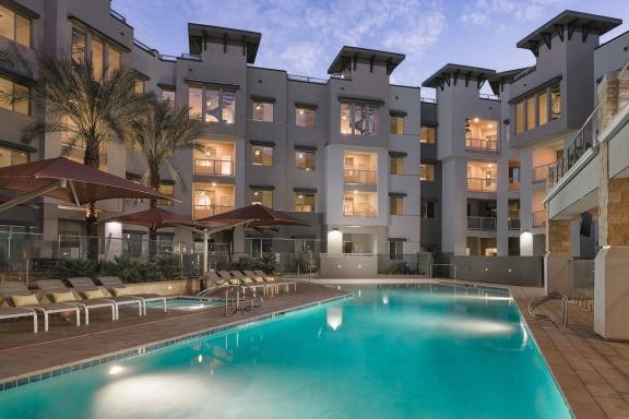 pool_1_luxury_apartments