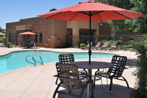 Beautiful saltwater swimming Pool at Santa Fe Apartments near Presbyterian hospital