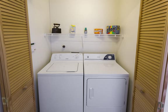 Spacious apartments with washer and dryer near downtown Santa Fe