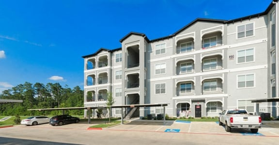 One to Four Bedroom Stunning Townhomes & Apartments at Mansions Woodland, Conroe, TX, 77384