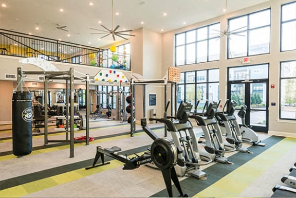 Fitness Center With Modern Equipment at Central Island Square, South Carolina, 29492