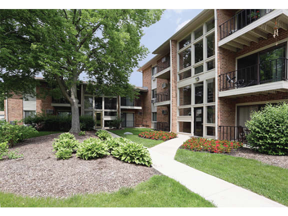Pathway at Orion 59, Naperville, 60563