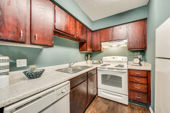 The Park at Wintergreen Apartments | DeSoto, TX | Kitchen