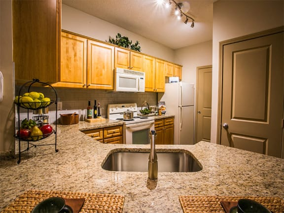 Apartments on Buford Highway with Full Kitchen and Granite Countertops