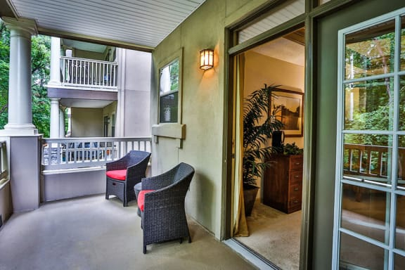 Best Apartments in Brookhaven with Private Patio Balcony