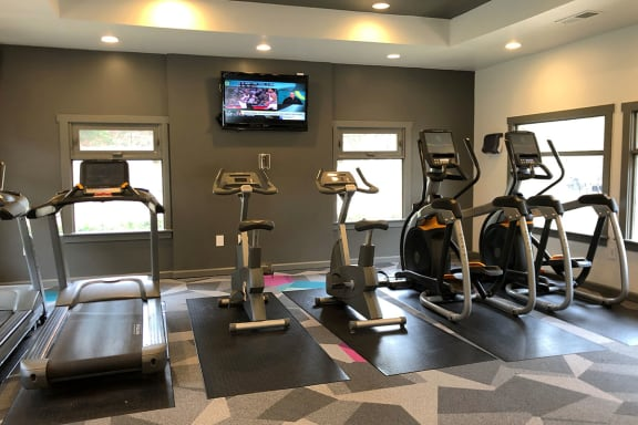 Resident Gym at Marietta, GA Apartment Near Dobbins Air Reserve Base