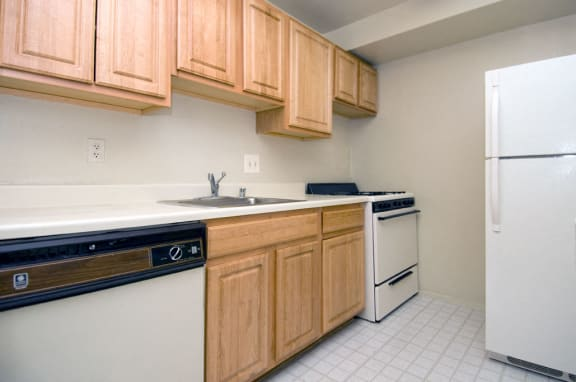Fully-Equipped Kitchens at Sussex Square, Suitland, MD,20746