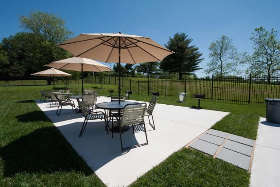 Outside Dining Area at Doncaster Village Apartments, Parkville, MD,21234