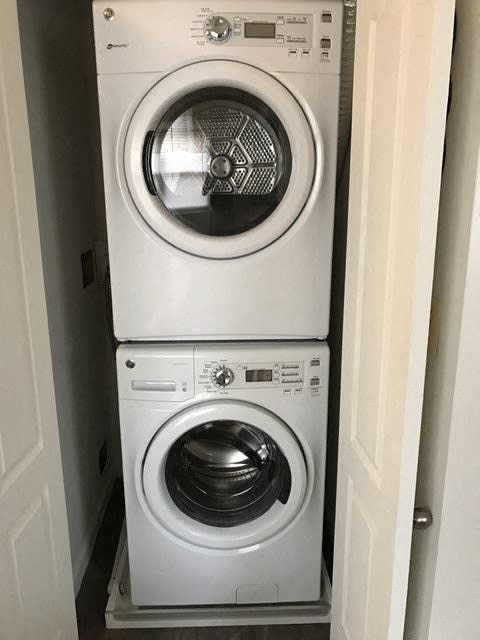 Full Size Washer and Dryer Donnybrook Apartments Towson MD 21204