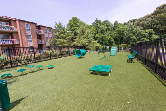 Pet Play Area at Westwinds Apartments, Annapolis