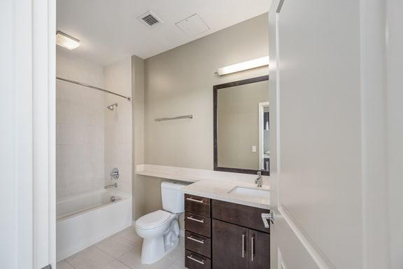 Verde Pointe Arlington VA Brunswick 1-Bed with Den Bathroom