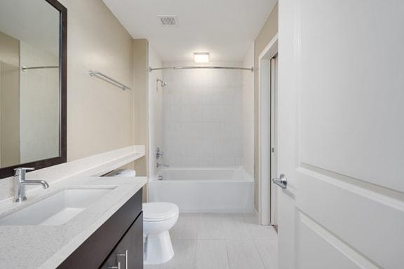 Verde Pointe Arlington VA Kelly 2 Bed Bathroom